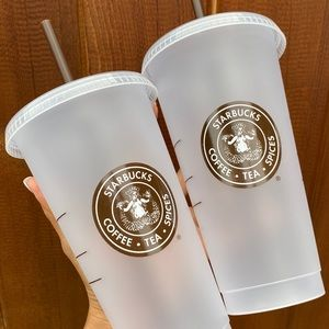 ✨🆕✨ 2x Starbucks Pike Place Frosted Venti Cups